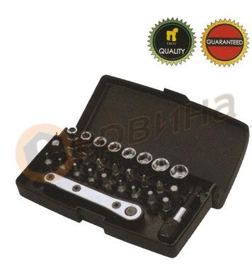 Комплект тресчотка с вложки и накрайници 28бр. WERT W2239