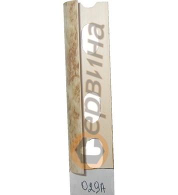 Ъглова външна лайсна PVC 8мм. 2,5м. 029A
